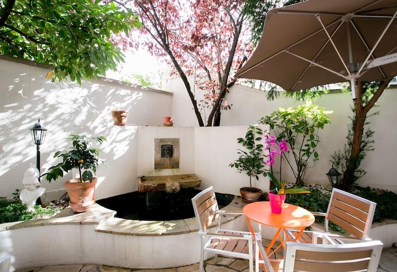 Olympic Hotel by Patrick Hayat, Boulogne-Billancourt, Terrasse/veranda