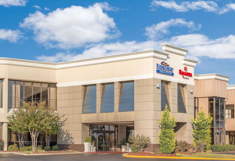 Ramada Plaza by Wyndham Fayetteville Fort Bragg Area, פאייטוויל