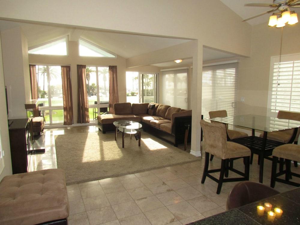 3 Bedroom Duplex With Ocean View, Newport Beach, Room, 3 Bedrooms, Kitchen