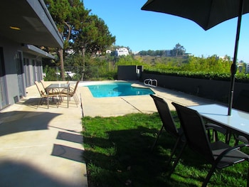 Picture of 4 Bedroom Celebrity House with Pool & City View in West Hollywood