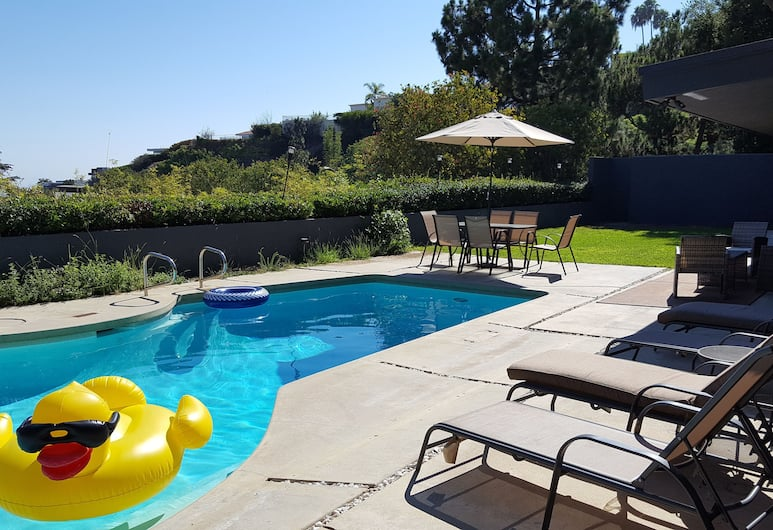 4 Bedroom Celebrity House with Pool & City View, West Hollywood, Outdoor Pool