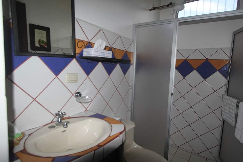 Kamar Double Standar, 2 Tempat Tidur Queen, pemandangan kota - Kamar mandi