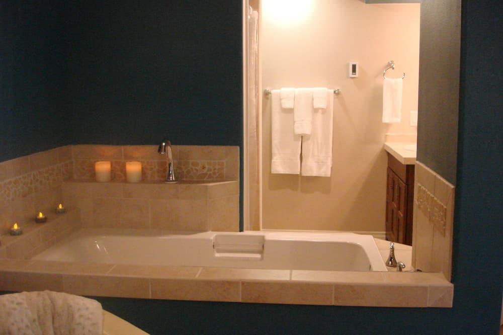 Zimmer, 1King-Bett, eigenes Bad (Arctic Fox) - Badezimmer