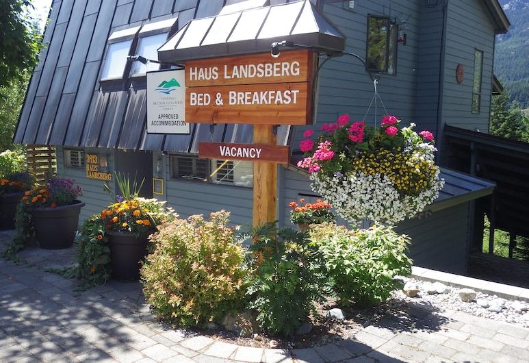 Haus Landsberg B&B, Whistler