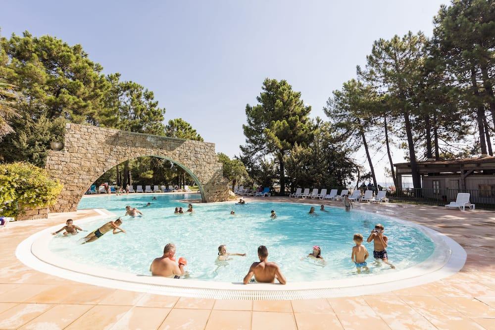 Відкритий басейн