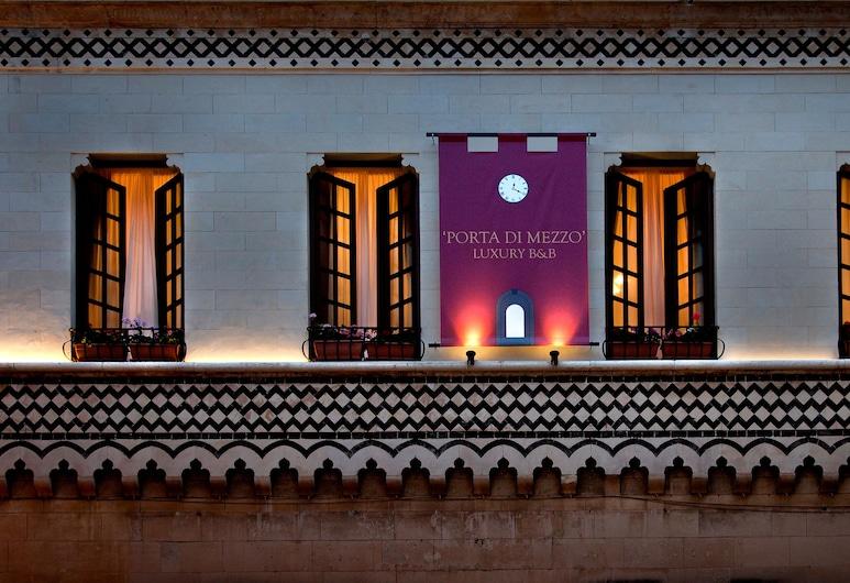 Porta Di Mezzo Luxury B&B, Taormina