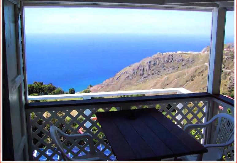 El Momo Cottages, Windward Side, Superior Cottage, 2 Twin Beds, Kitchenette, Ocean View, Balcony