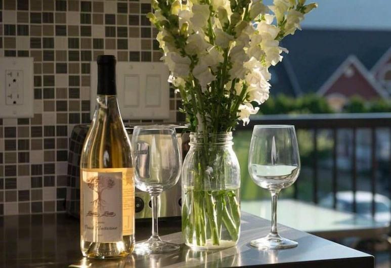 Klippers Guest Suites, Keremeos, Fairhaven Suite, Balcony