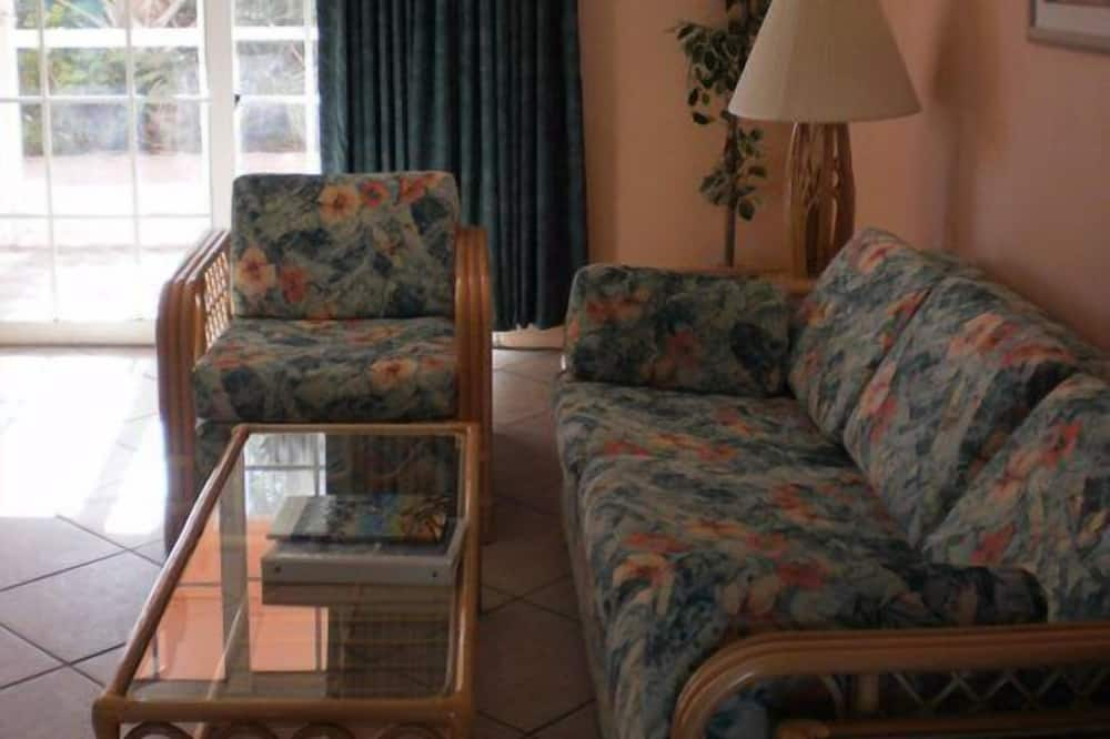 Традиционные апартаменты, 1 спальня, кухня, вид на бассейн - Зона гостиной
