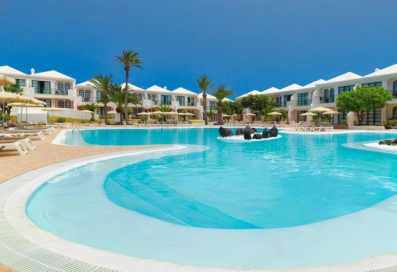 H10 Ocean Suites, La Oliva, Piscina al aire libre