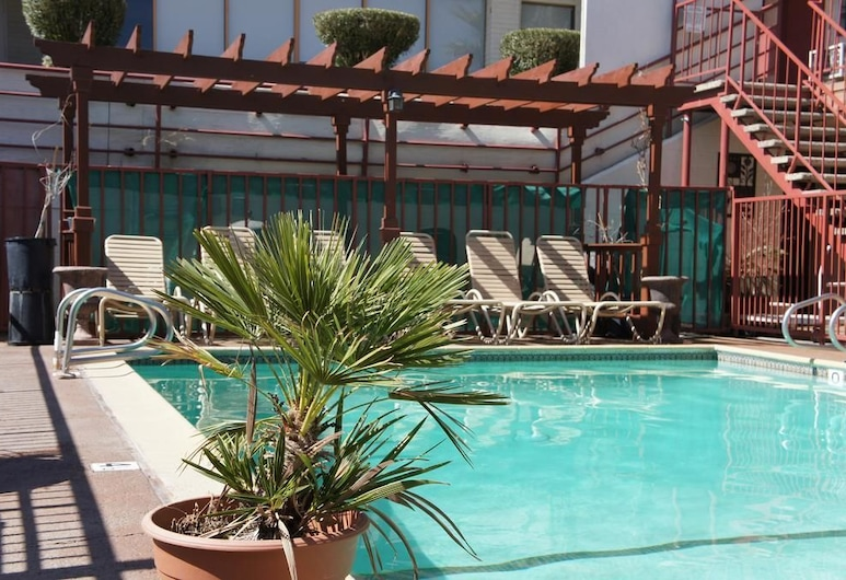 Park Avenue Inn and Suites,  Victorville, Piscina