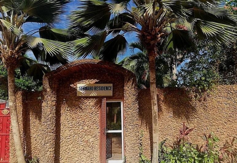 Sermaho Residence - Adults Only, Серрекунда, Вхід у приміщення