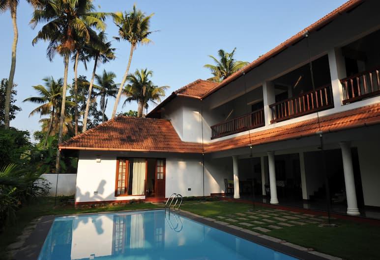 The Villa Romantica, Alwaye, Lauko baseinas