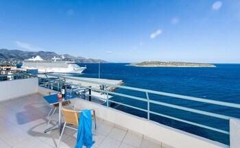 Mynd af Creta Hotel í Agios Nikolaos