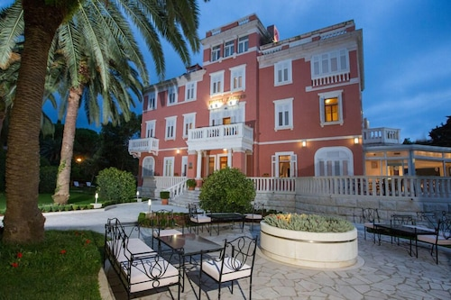 Hotel Zagreb Dubrovnik Info Photos Reviews Book At Hotels Com