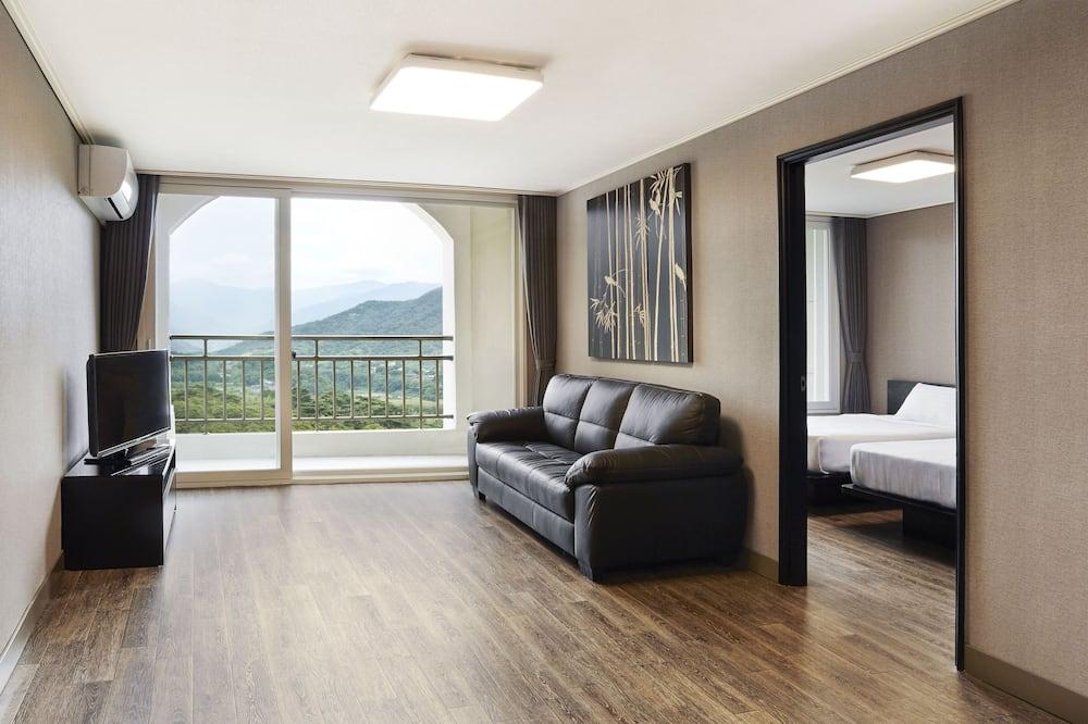 Family Room, 1 Bedroom, Mountain View (Free Upgrade 16PY -> 21PY) - Bilik Tamu