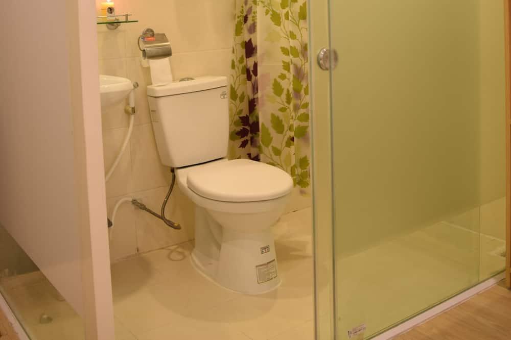 Deluxe-Zweibettzimmer, 2Einzelbetten, Stadtblick - Badezimmer