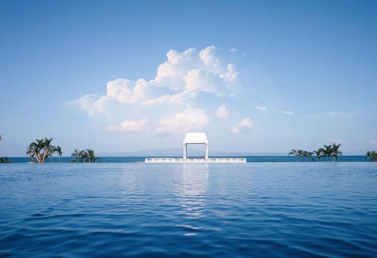 峇里魯瑪魯韋海灘溫泉渡假村, 蘇卡瓦第, 室外泳池