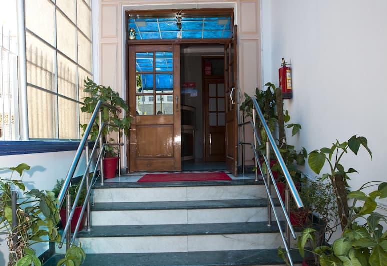 OYO 8761 Hotel Mall View, Gurugram, Pintu Masuk Hotel