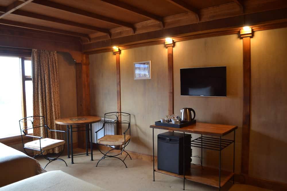 Superior-Zimmer, 1 Doppelbett - Wohnbereich