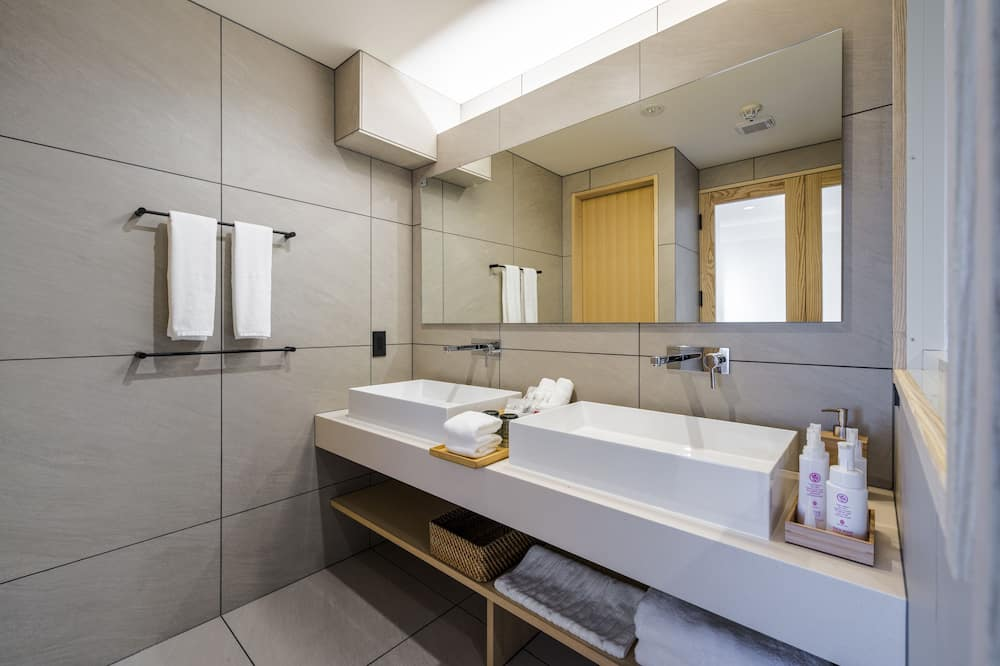 חדר לארבעה, ללא עישון (KaisekiDinner,NorthernEuropeanInterio) - חדר רחצה