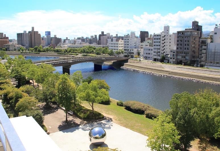 Hiroshima City Bunka Koryu Kaikan, הירושימה, נוף לעיר מהנכס