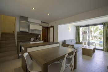 シウタデラ デ メノルカ、アパートホテル バカンシス メノルカ ブラン パレスの写真