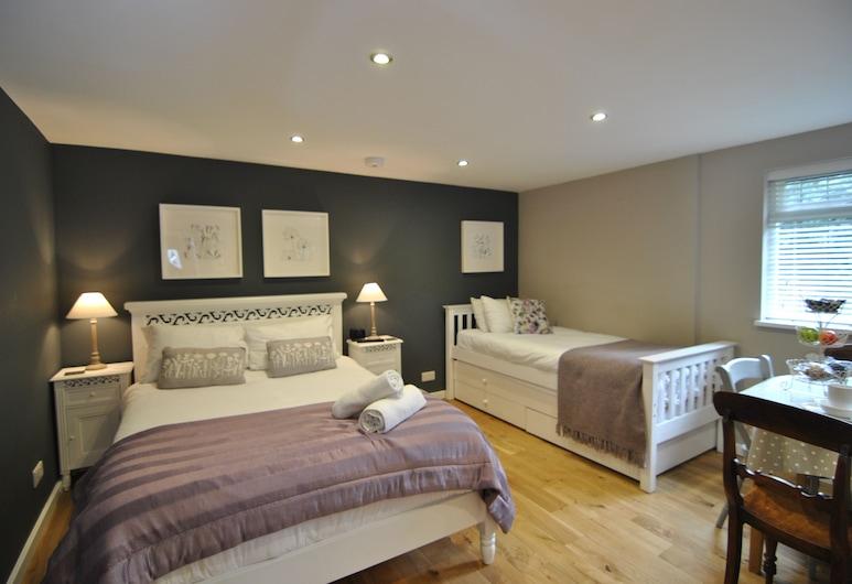 阿爾瑪之家酒店, Windsor, 家庭平房, 多張床, 雪櫃和微波爐, 花園景, 客房