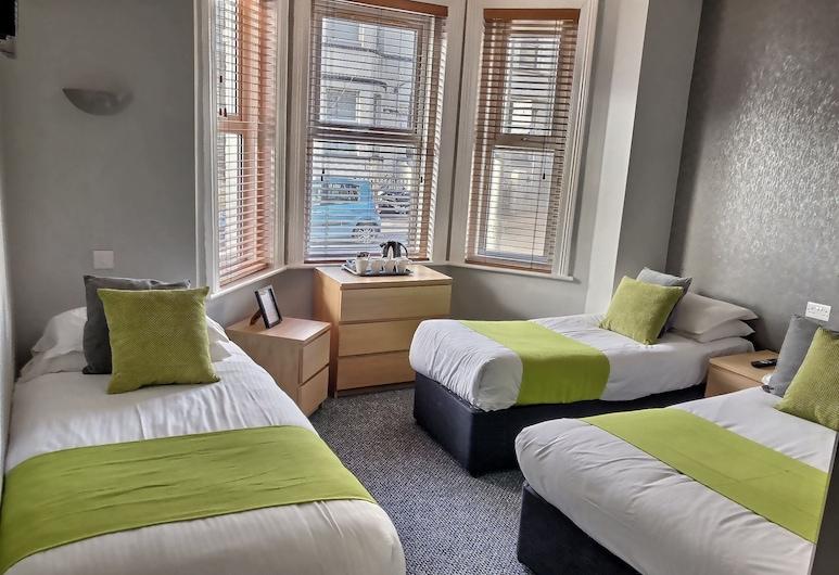 Chelsea Hotel, Bournemouth, Quadruple Room, Ensuite, Guest Room
