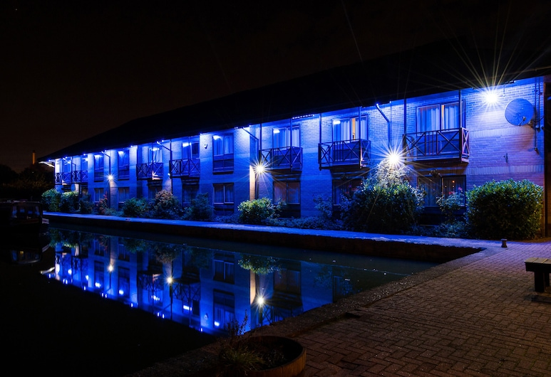 Peartree Lodge Waterside, Milton Keynes, Marina