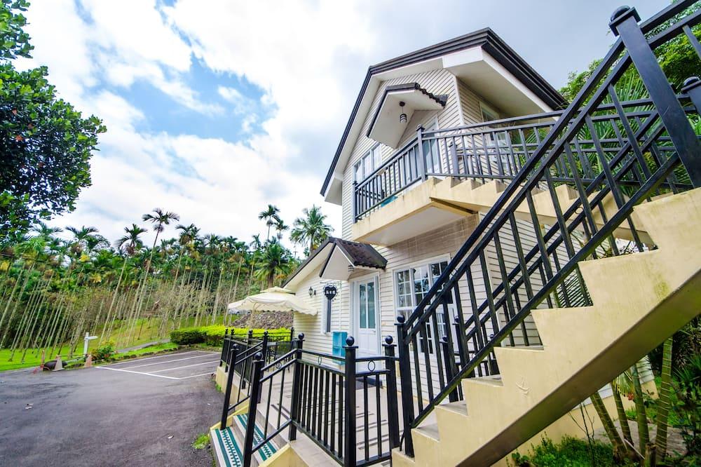 Deluxe House - Balcony View