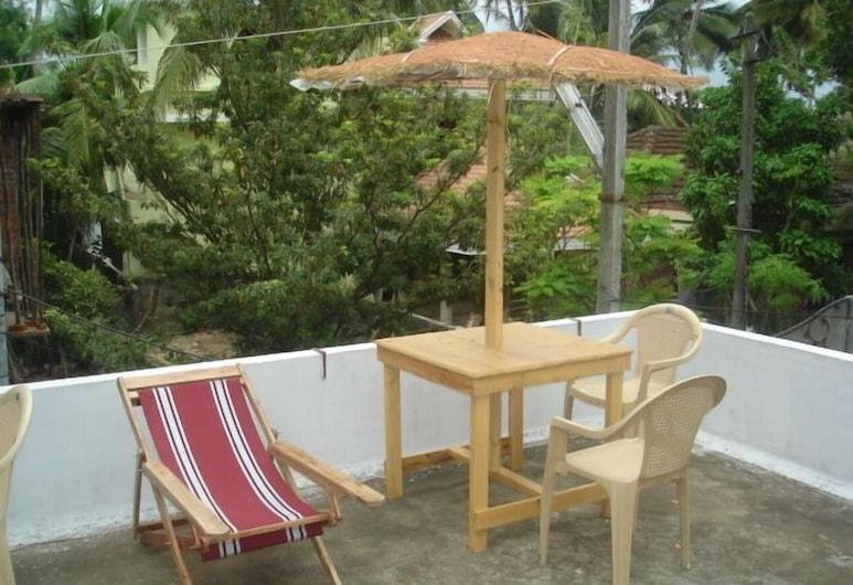 Nathan's Holiday Home, Kochi, Terrace/Patio