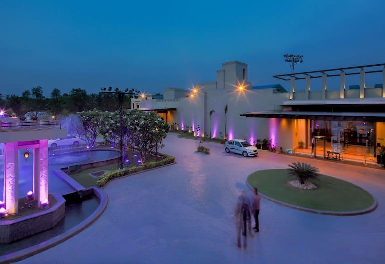Orana Hotels And Resorts, New Delhi, Hotel Front – Evening/Night