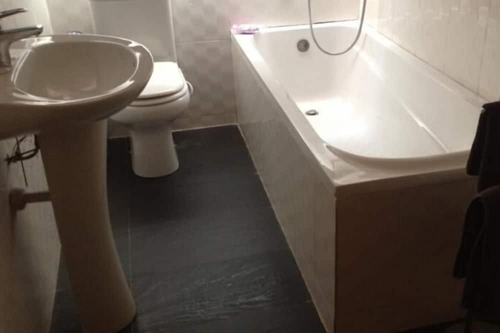 Luxury Δίκλινο Δωμάτιο (Double), 1 King Κρεβάτι, Θέα στον Κήπο - Μπάνιο