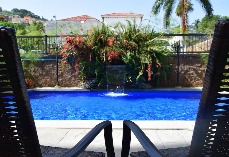 Beverly Hills: Hotel & Business, Antiguo Cuscatlán, Piscina al aire libre