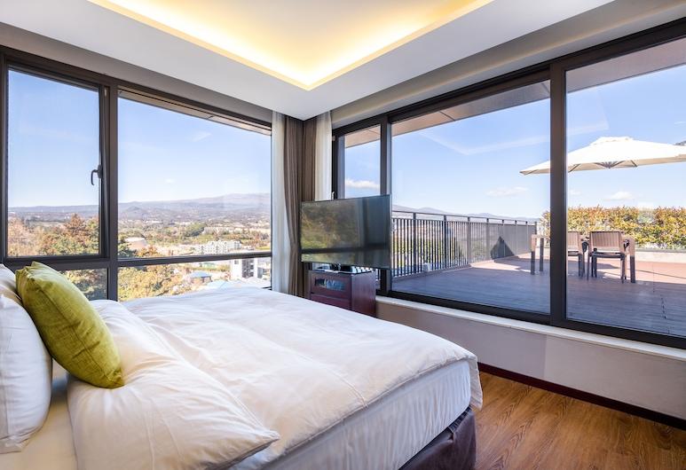 濟州陽光公園飯店, 西歸浦, 家庭套房, 2 間臥室, 陽台, 山景, 客房