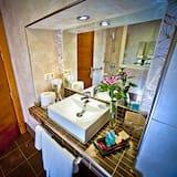 Triple Room (Non Refundable) - Bathroom Sink
