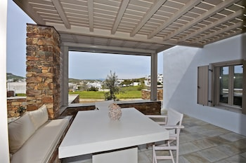 Picture of White Tinos Luxury Suites in Tinos
