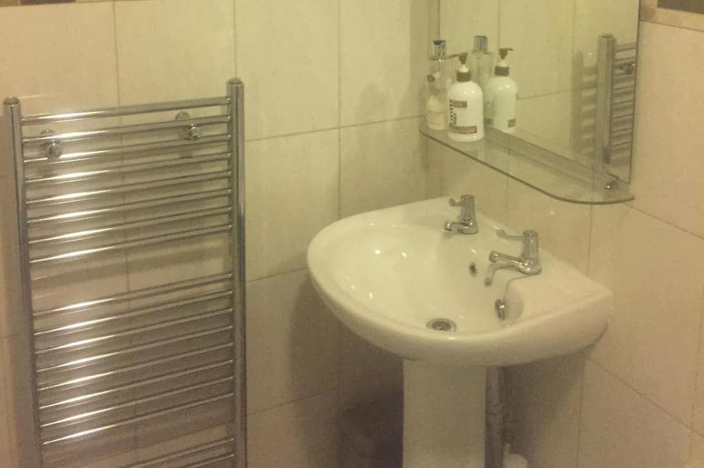 Apartment, Private Bathroom (Ground Floor) - Bathroom