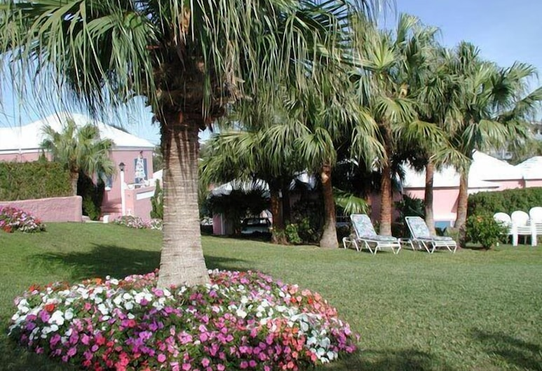 Valley Cottages & Apartments, Paget Parish, Property Grounds