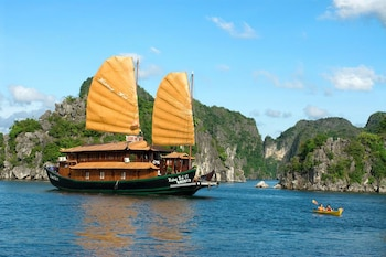 Picture of Huong Hai Junks in Halong