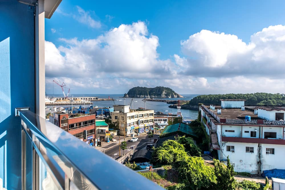 Superior Room, Balcony, City View (Superior) - City View