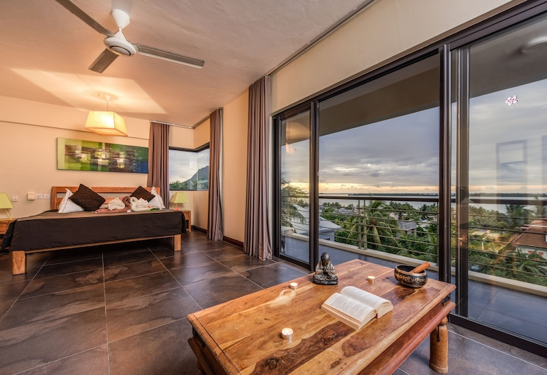 Happy Days Guest House, La Gaulette, 2.Deluxe VIP Mountain & Ocean Front View, Guest Room