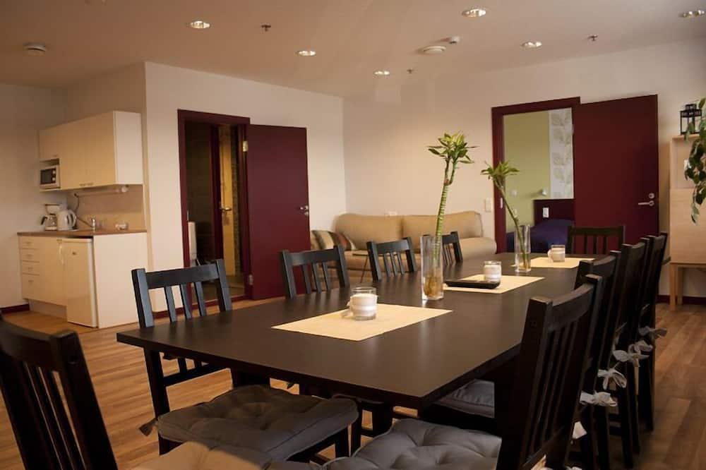 高級公寓, 三溫暖 - 客房餐飲服務