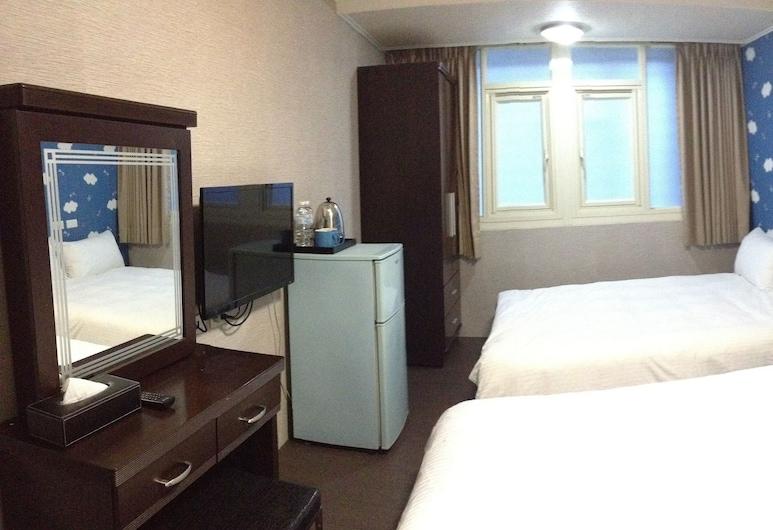 Taipei Happy Home, Taipei, Standard Quadruple Room, 2 Double Beds, Guest Room