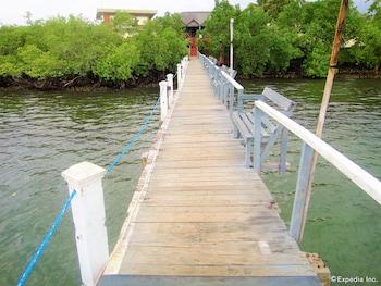 Picture of Marina de Bay Resort and Spa in Puerto Princesa