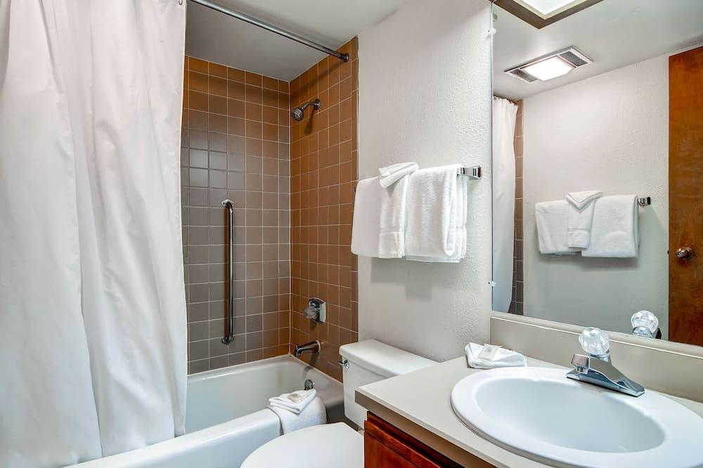 Condo, 1 Bedroom, Non Smoking - Bathroom