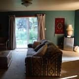 Namiņš, vairākas gultas - Dzīvojamā zona
