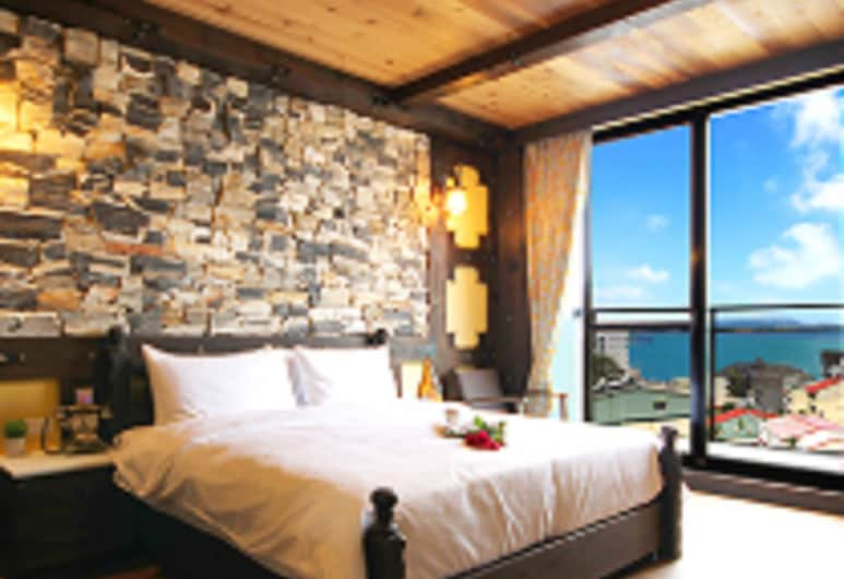 Sun Moon Lake Youngquan Hotels, Yuchi, Double Room, 1 King Bed, Lake View, Guest Room