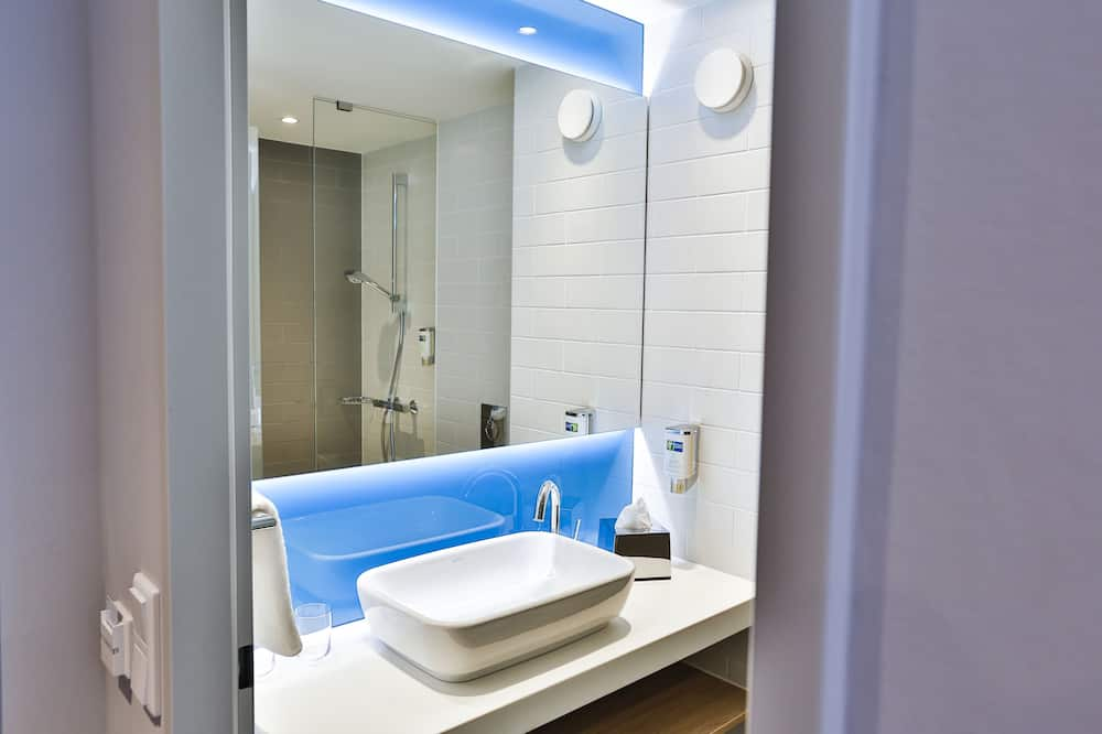 Phòng Tiêu chuẩn, Không hút thuốc - Phòng tắm
